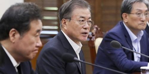문재인, 한일군사정보보호협정 파기로 일본에 내민 손 다시 거둬들여