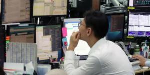 코스피 코스닥 1%대 동반급등, 외국인 매도세 한 달 만에 마감