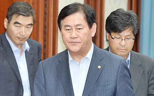 """최경환 """"그리스 사태, 우리 경제에 미치는 영향 제한적"""""""