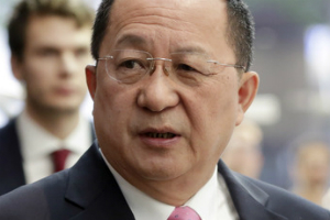 """""""북한 외무상 리용호 """"핵무기 협상없다"""