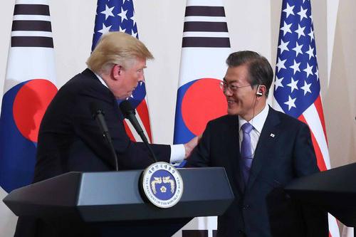 """""""트럼프 """"중국과 러시아도 북한과 교역 중단해야"""