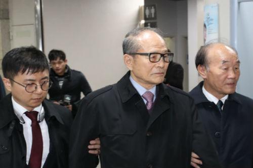 """""""이상득 '포스코 비리'로 항소심에서도 실형, 정준양은 무죄"""