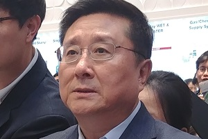 """LG디스플레이, 중소형 올레드 '성장통' 극복 쉽지 않을 수도"