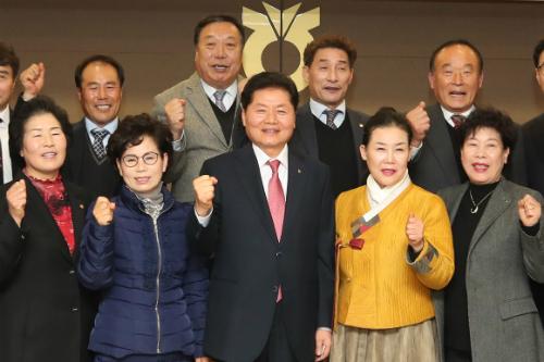 """""""김병원, 농업인단체장 만나"""