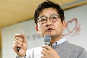 """""""김종인, '건강 파는 마트'로 롯데마트 대변신 출발"""