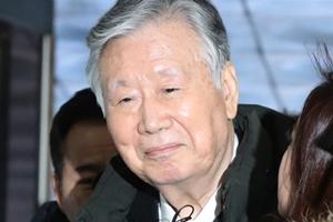 """""""이중근 부영 비리로 재판에 넘겨져, 수백억 횡령과 배임 혐의"""
