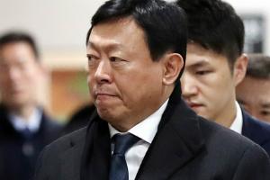 """""""신동빈 구속에 중국 롯데마트 매각 차질, 롯데쇼핑 롯데지주 '불안'"""
