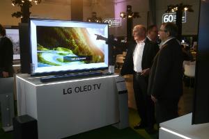 """LG전자, 인공지능 기술 적용한 올레드TV로 유럽 공략"