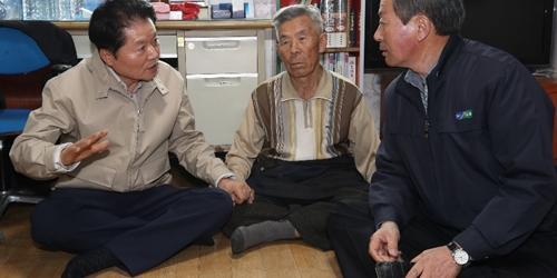 """김병원, 강원 산불 피해지역 찾아 """"피해복구에 농협 역량 총동원"""""""