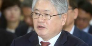 """""""김용익, 건강보험 재정고갈 우려에 실효성있는 대책 요구에 직면"""