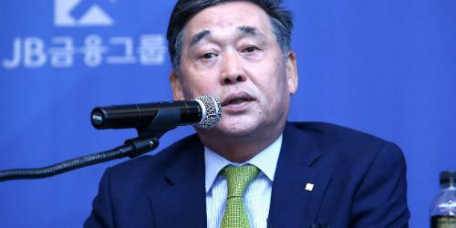 [오늘Who] 김기홍, '집토끼' 단속으로 JB금융에 새 색깔 입힌다