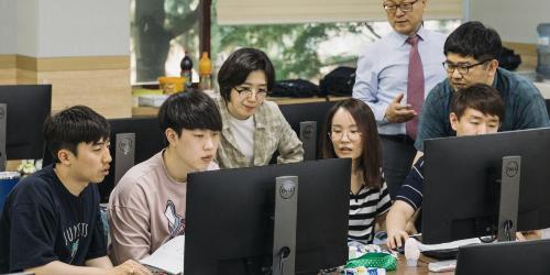 """""""포스코, 최정우 약속 '청년 취·창업교육 프로그램'에서 상반기 성과 내"""