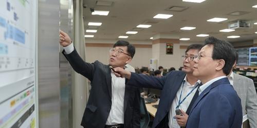 """""""김광수, NH농협카드 차세대 전산시스템 적용 앞두고 상황 점검"""