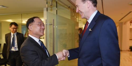 """홍남기 """"글로벌 가치사슬이 경제외적 요인에 훼손돼서는 안돼"""""""