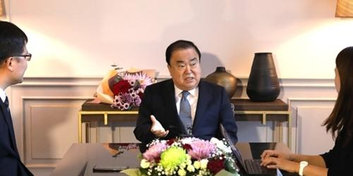 """""""문희상 사법개혁법안 직권상장 열어놓아, """"아무 것도 안 할 수는 없다"""""""