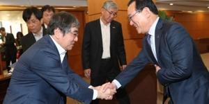 송철호, 국회 방문해 울산시에 금융감독원 지원 설치 요청
