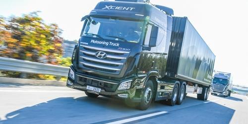 현대차, 대형트럭의 고속도로 자율주행 군집주행 시연 성공