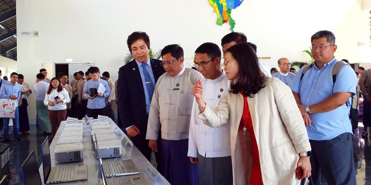 """SK텔레콤, SK그룹 11개 계열사와 미얀마에 쿡스토브 432만 대 보급"