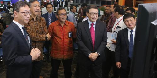 두산그룹, 인도네시아 정부 요청으로 현지에서 단독 전시행사 열어