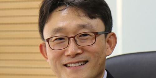 """""""KT 조직 통폐합해 임원 대폭 줄여, 기업부문장 박윤영 사장으로 승진"""