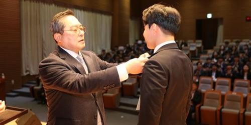 """""""구자열, LS그룹 신입사원 입사식에서"""