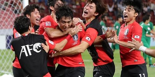 """""""문재인 U-23 축구대표팀 우승 축하,"""