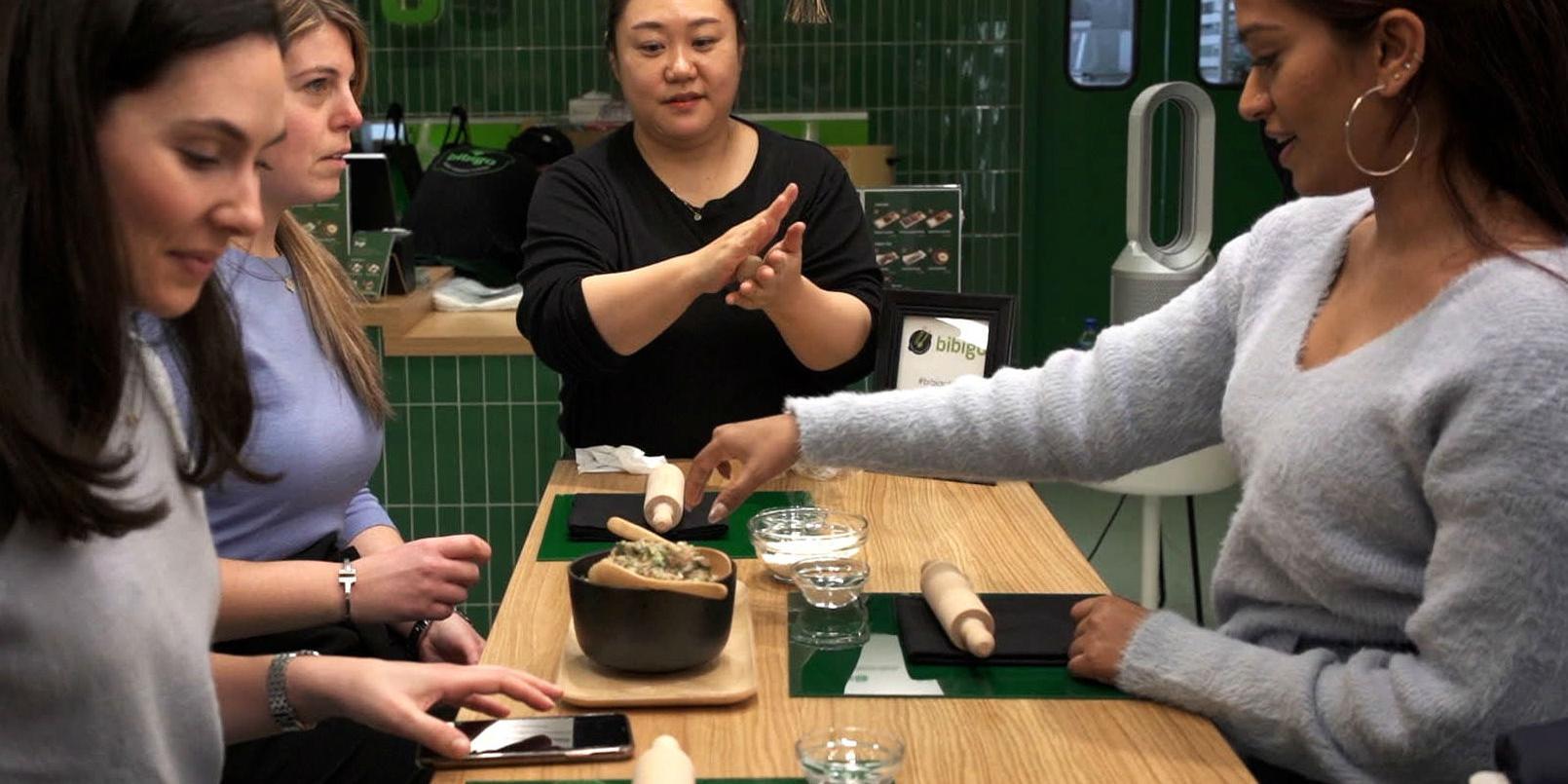 """CJ제일제당, 뉴욕 '비비고 팝업 레스토랑'에서 만두빚기 행사 열어"
