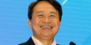 """""""진옥동 베트남 디지털은행 강화, 신한은행 순이익 1위 탈환의 길"""