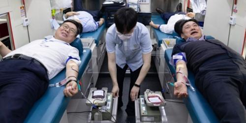 """한국투자증권 '코로나19 극복' 헌혈행사, 정일문 """"혈액 수급에 보탬"""""""