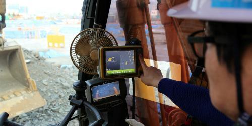 대림산업, 건설 작업능률 높여주는 건설장비 '머신 컨트롤' 기술 도입