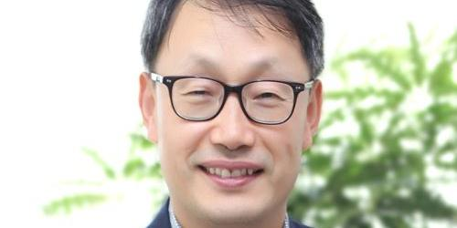 """KT 시가총액에서 LG유플러스에 쫓겨, 구현모 주총에서 해법 내놓을까"