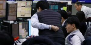 """""""코스피 장중 강보합 코스닥 상승, 사조동아원 삼성출판사 급등"""