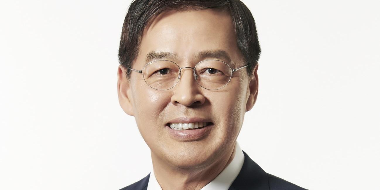 """""""신학철, LG화학에서 작년 보수 15억 받아 화학업계 전문경영인 1위"""