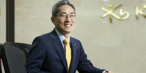 [오늘Who] KB금융 해외사업 동맹은 없다, 윤종규 뿌린 씨 수확 전념