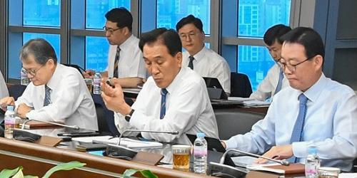 """BNK금융 하반기 전략회의, 김지완"