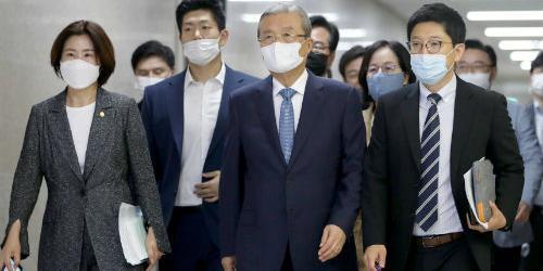 """""""통합당 정강정책 초안 공개, 기본소득과 경제민주화 담아"""