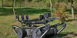 """""""한화디펜스, 방위사업청과 폭발물 탐지제거 로봇체계 개발계약 맺어"""