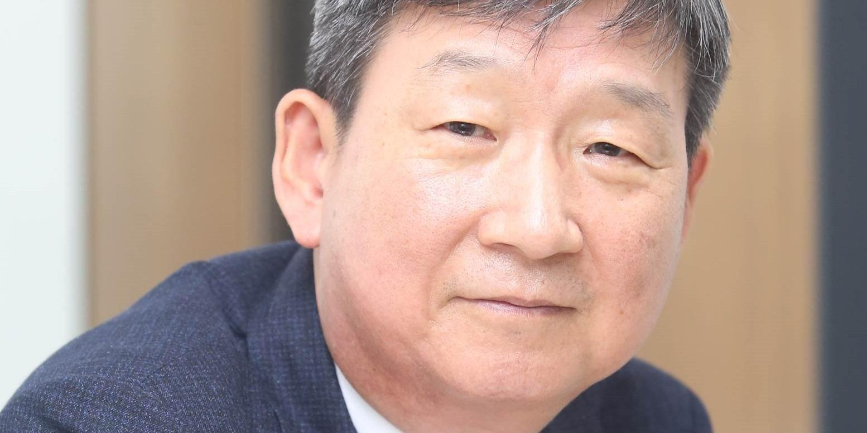 """""""[오늘Who] LG유플러스 새 대표 황현식, 구광모 고객가치에 닿아있다"""