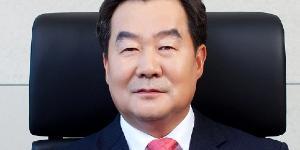 """SK그룹주 혼조, SK케미칼 6%대 SKC 3%대 상승 SK 4%대 내려"