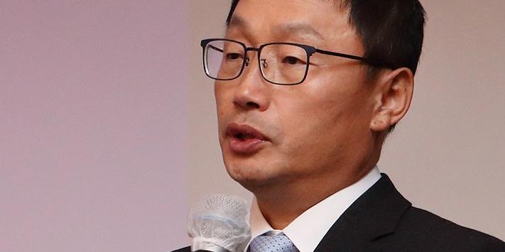 """KT 기업가치 상승 가능, 5G 기업대상사업과 계열사 재편 긍정적"