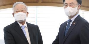 """""""산업부 장관 문승욱, 경총회장 손경식 만나"""