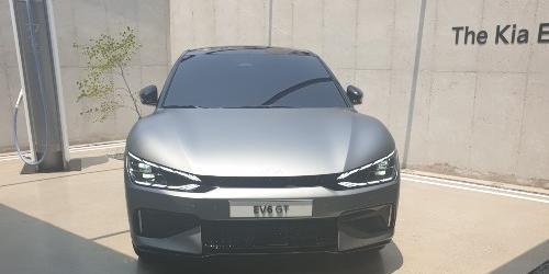 """""""기아, 새 전기차 EV6 미국에서 사전예약물량 1500대 하루 만에 동나"""