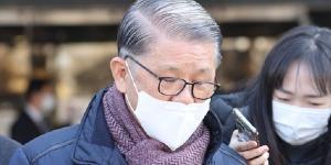"""SK네트웍스 최신원 재판부 ""기소 뒤 조서 증거능력 인정 안 하겠다"""