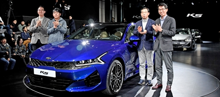 기아차 '3세대 K5' 공식 출시, 가격은 2351만 원부터
