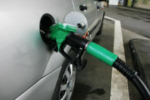 주유소 휘발유 가격 5주째 올라, 리터당 전국 평균 1732.4원