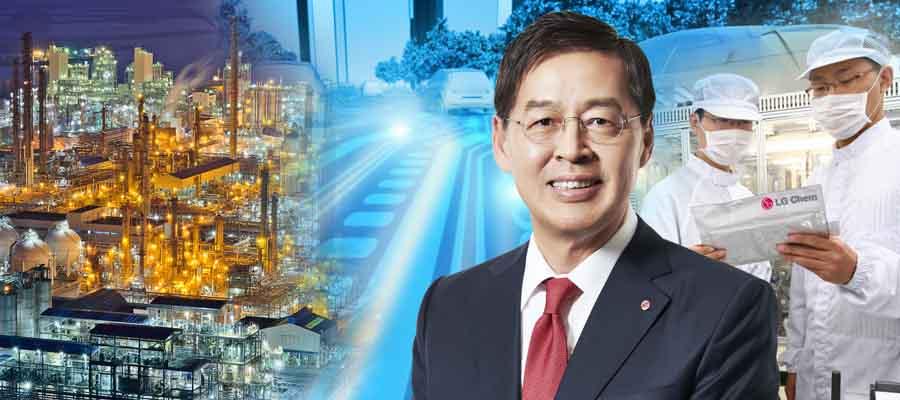 [CEO&주가] LG화학 주가 배터리에 출렁, 신학철 배터리소재 확장한다